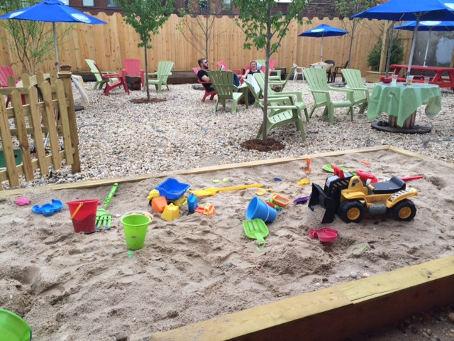 Brooklyn Crab knows how to keep the kiddos entertained while the parents play. Photo: Brooklyn Crab