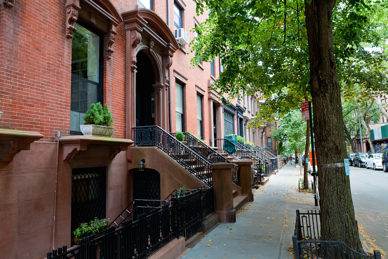 brooklyn-heights-tree-lined-townhouses-hicks-street