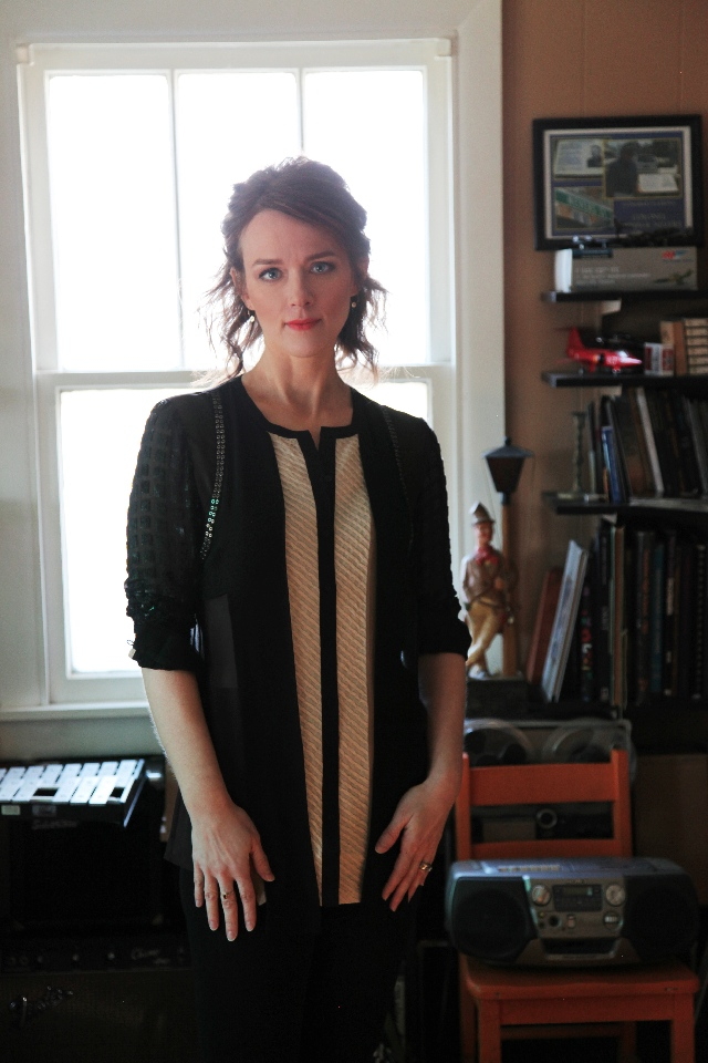 Laura Cantrell (Amy Dickerson)