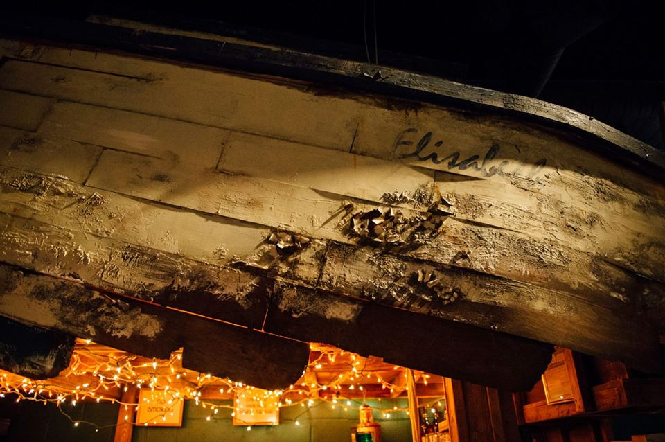 There is an actual shipwreck in the Shipwreck Lounge. Photo: Shipwreck Lounge
