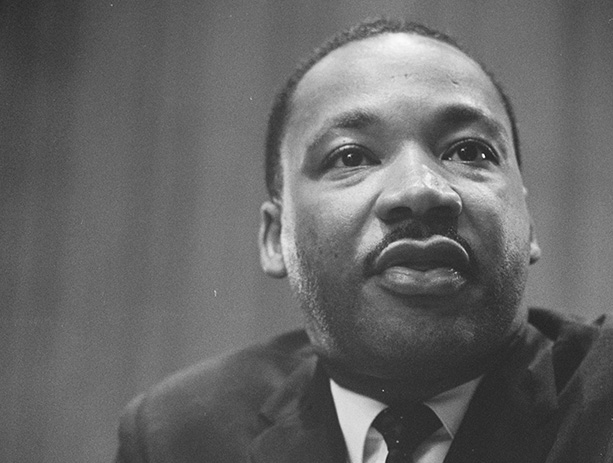 16-mkting-2715_mlk_day_fy17_web_pages_613x463