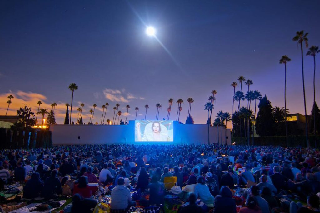 Outdoor movies in L.A. = not limited to just 3 months a year. Photo: @cutiesatcinespia