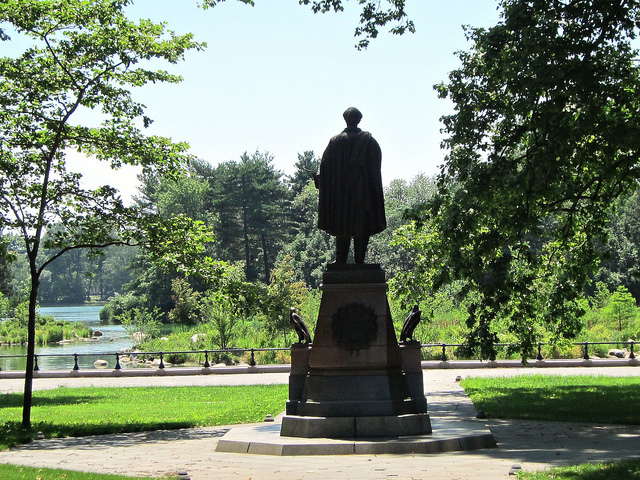 Lincoln once again has a view of the water. Photo: Allison C. Meier