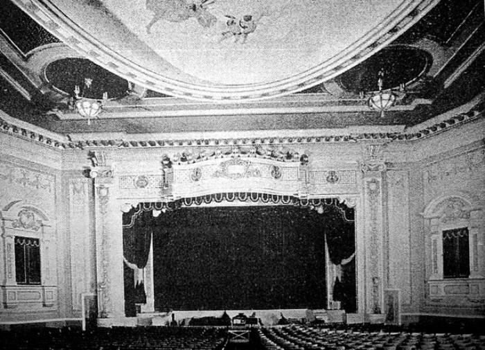 Brevoort Theater interior, 1918 (Photo: Cinema Treasures)