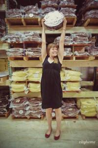 Jess Perrie of Beehive Cheese, winner of this year's DZTA award.