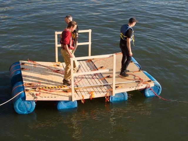 Testing a Citizen Bridge prototype in the New York Harbor. Photo: Nancy Nowacek