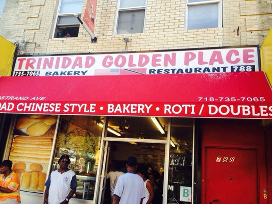 The daily line for doubles at Trinidad Golden Palace (Photo: Yelp / Nova G.)