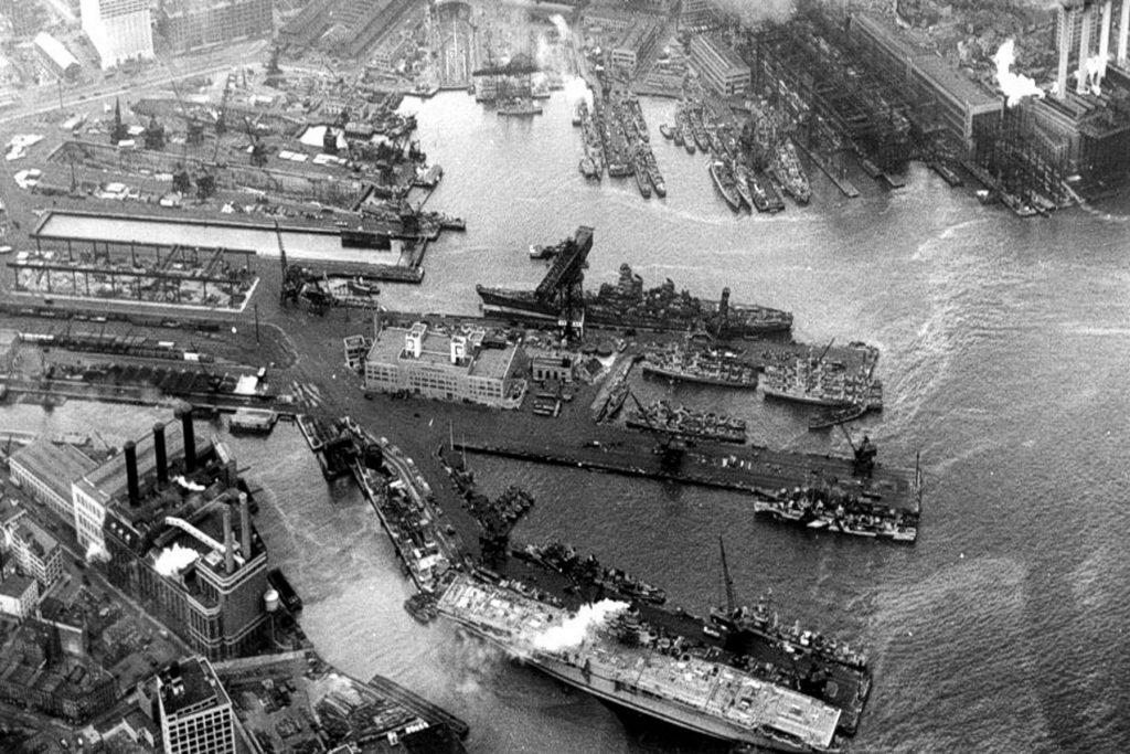 brooklyn-navy-yard-historical-2121394