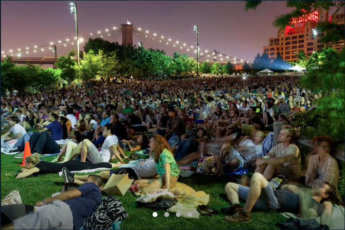 There's a reason the summer movies at Brooklyn Bridge are so popular. They're awesome. Photo: Etienne Frossard