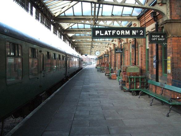 old-train-platform-1450997