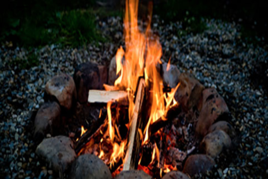 An evening of stories around the campfire